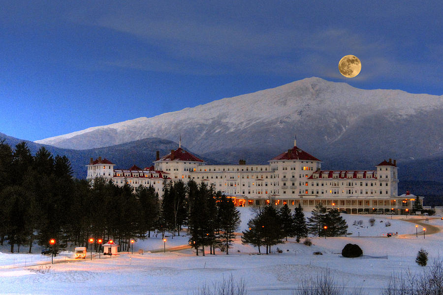 Moonrise Over The Mount Washington Hotel Photograph By Ken