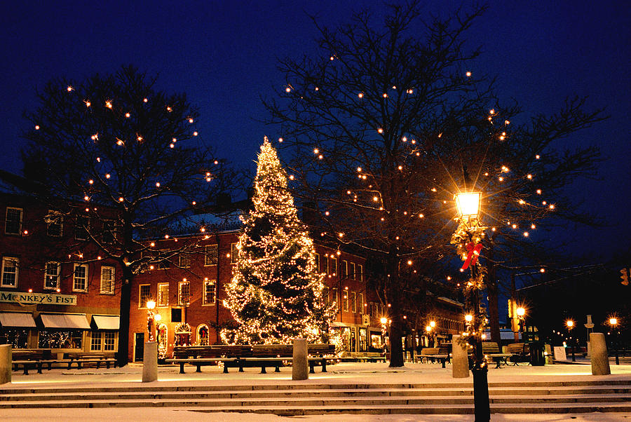 Christmas In New England Photograph By Lee Yeomans