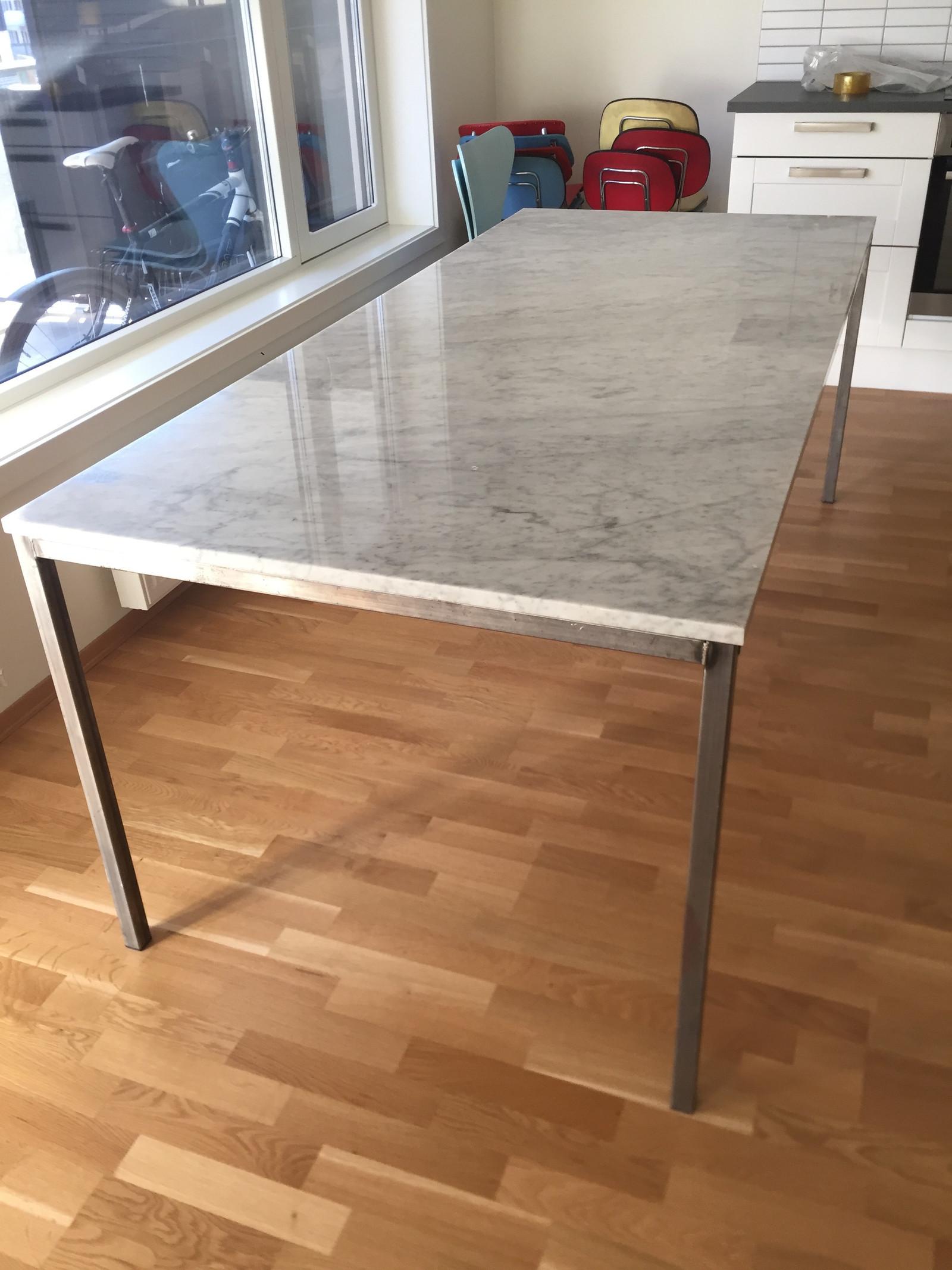 Stilig Spisebord I Carrara Marmor Norsk Design Finn No