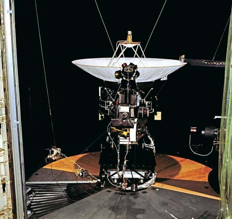 A test model of the Voyagers that never went to space, photographed sitting in a space simulator. Image credit: NASA/JPL