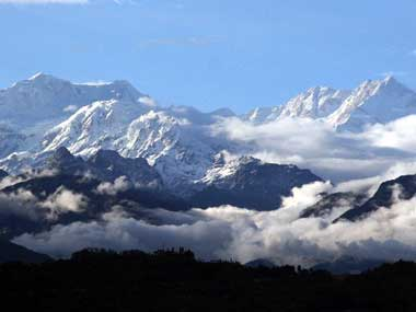 Two Indian climbers die on Nepal's Mount Kanchenjunga due to altitude sickness; search ops on for missing Chilean mountaineer
