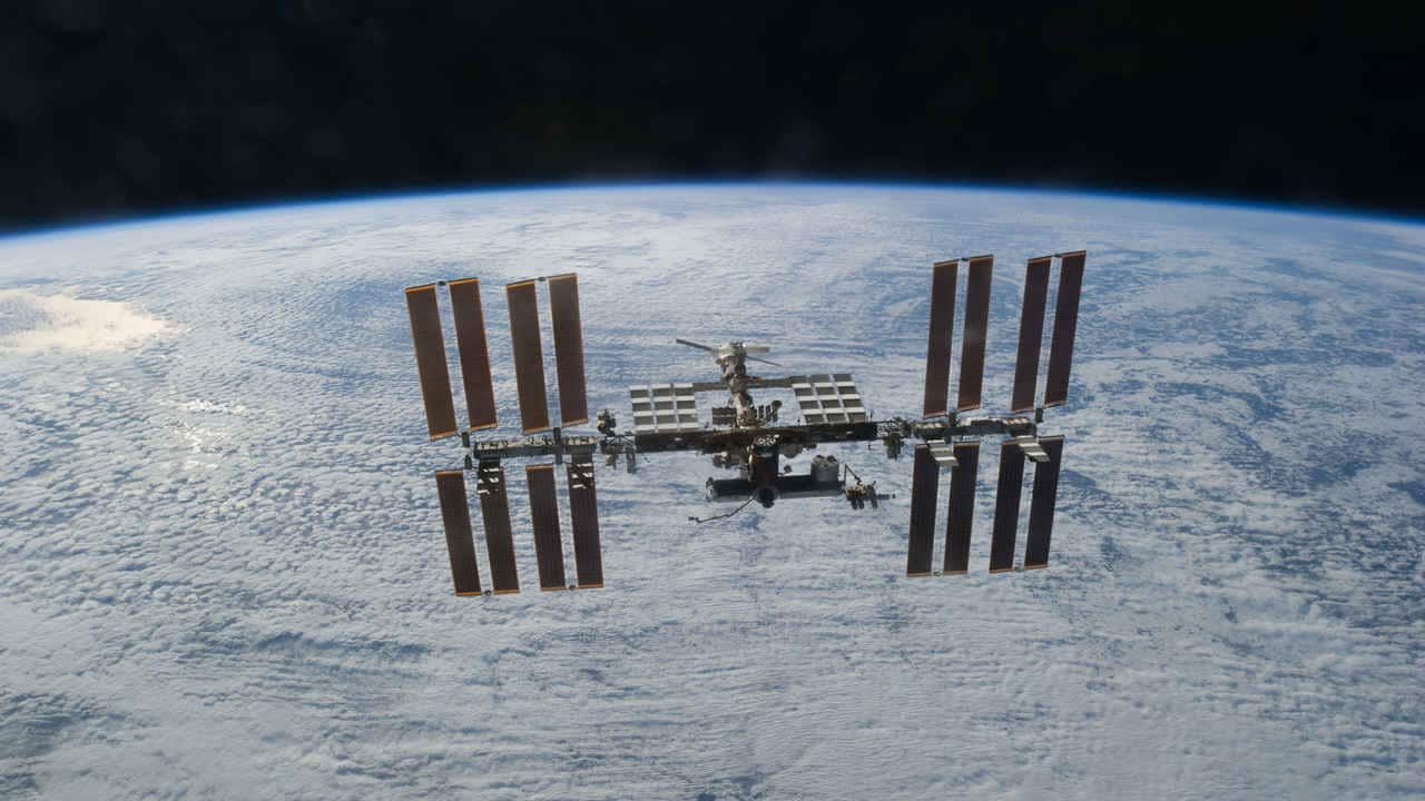 Russia hopes to launch its own space station in 2025, says Roscosmos chief Dmitry Rogozin- Technology News, Gadgetclock