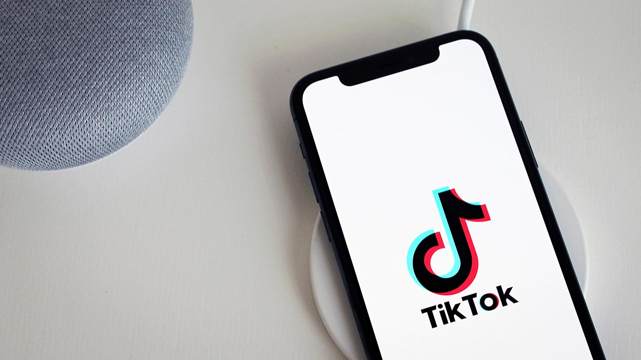 Malware disguised as TikTok-alternative app is being circulated via WhatsApp, SMS by cybercriminals: Report- Technology News, Firstpost