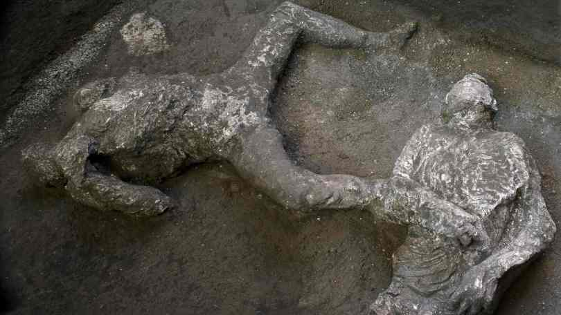 Archeologist uncover skeletal remains of two men escaping from Mount Vesuviuss eruption in Pompeii