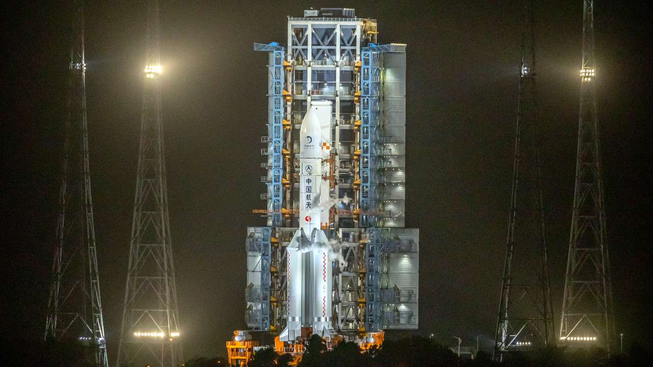 China's lunar probe — Chang'e 5 — fired up its engines, has begun its three-day journey back to Earth- Technology News, Gadgetclock