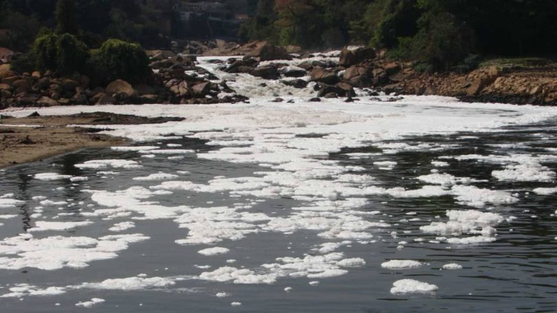 Tiete river in Sao Paulo, Brazil runs 1,150 km long and Pinheiros is its most contaminated tributary. While most of the river is polluted due to domestic causes, various efforts are on to clean it up. Image credit: Eurico Zimbres/Wikipedia