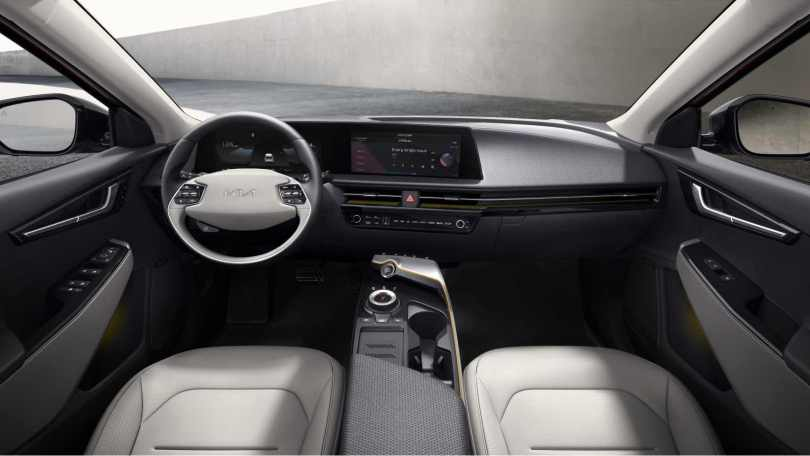 The Kia EV6 features a curved, high-definition touchscreen on the inside. Image: Kia