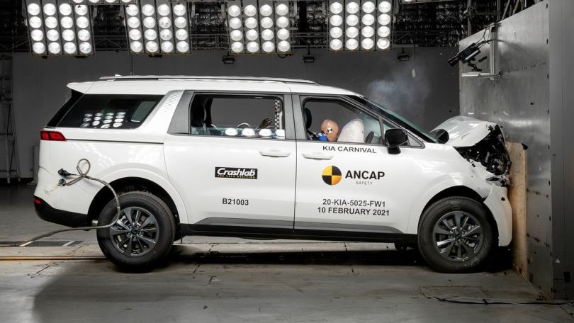 ANCAP subjected the 2022 Kia Carnival to a full-width frontal crash test at a speed of 50 kph. Image: ANCAP