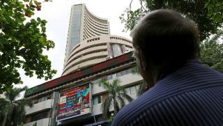 Sensex drops over 185 points in early trade; Infosys, TCS, Reliance track losses-Business News , GadgetClock