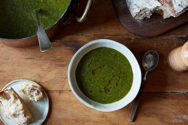 Anna Thomas' Green Soup