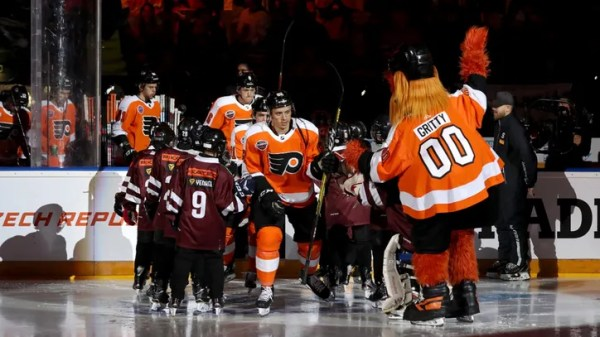 Flyers return to Wells Fargo Center to take on Devils in home opener