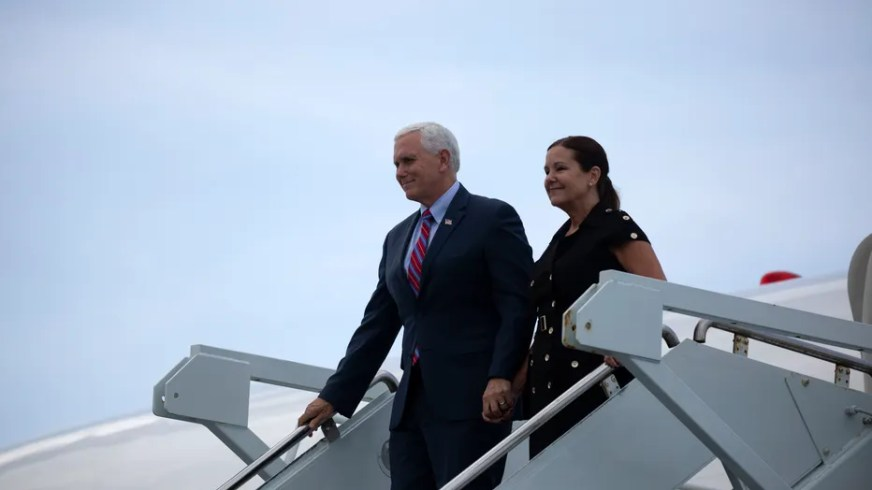 Vice President Mike Pence expected to attend SpaceX Crew-1 ...