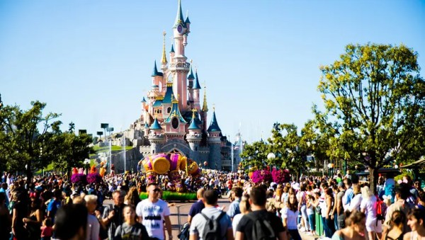 Public health officials confirm measles exposure at Disneyland, Starbucks