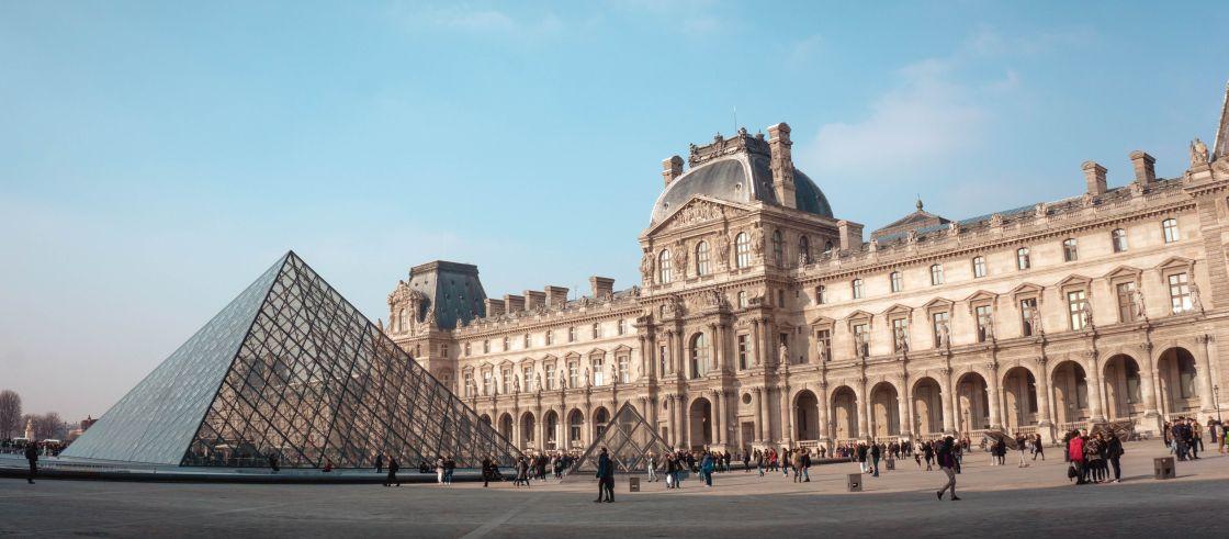 Louvre - yeo-khee - unsplash