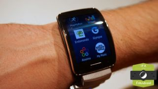 Galaxy-Gear-S-IFA-0011