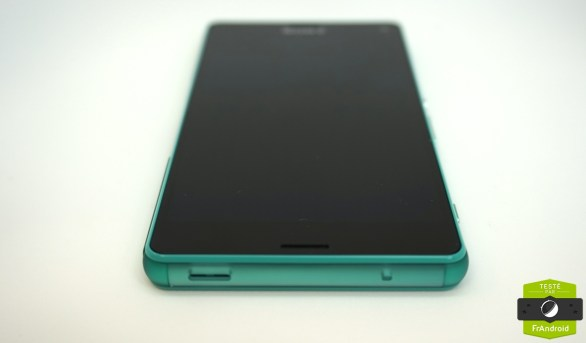 Sony-Xperia-Z3-Compact-vert-deau-07