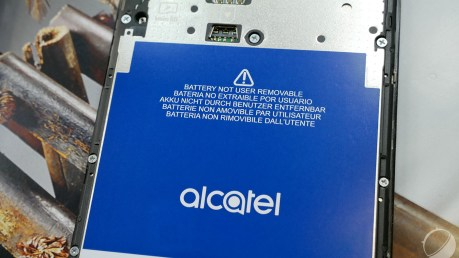 alcatel-a5-led-1