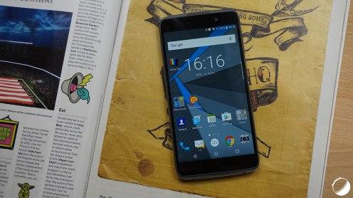 blackberry-dtek50-18