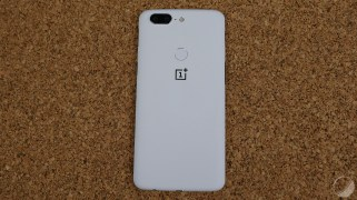 oneplus-5t-sandstone-white-11