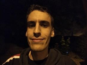 le capteur selfie principal de nuit
