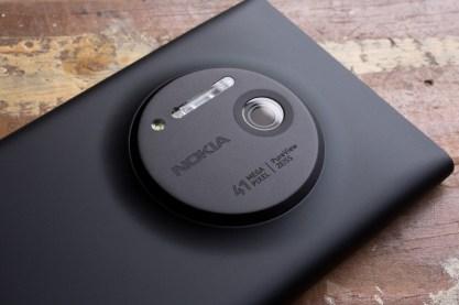 Lumia_1020_Camera_Side_0_Windows_Central