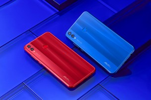 Johnson_Honor 8x_Blue&Red3