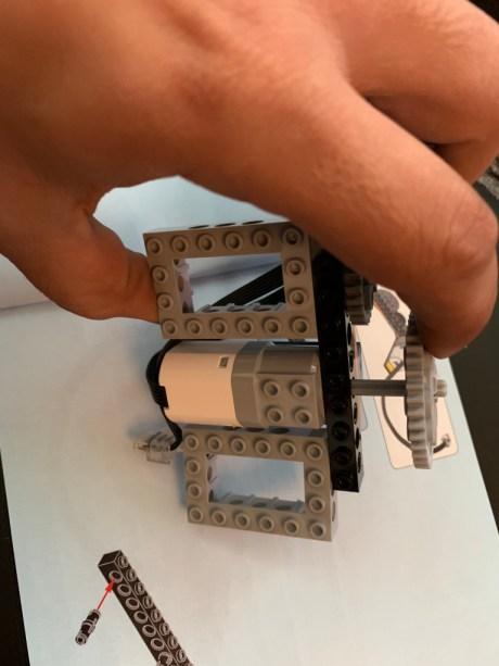 Test Lego DC COMICS Super Heroes Batmobile radiocommandée boite montage 2
