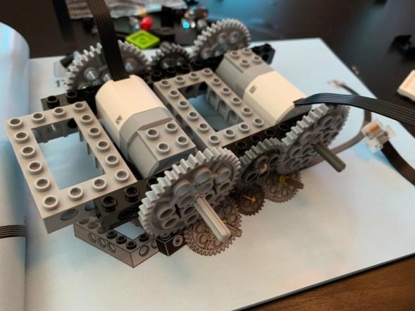 Test Lego DC COMICS Super Heroes Batmobile radiocommandée boite montage 3