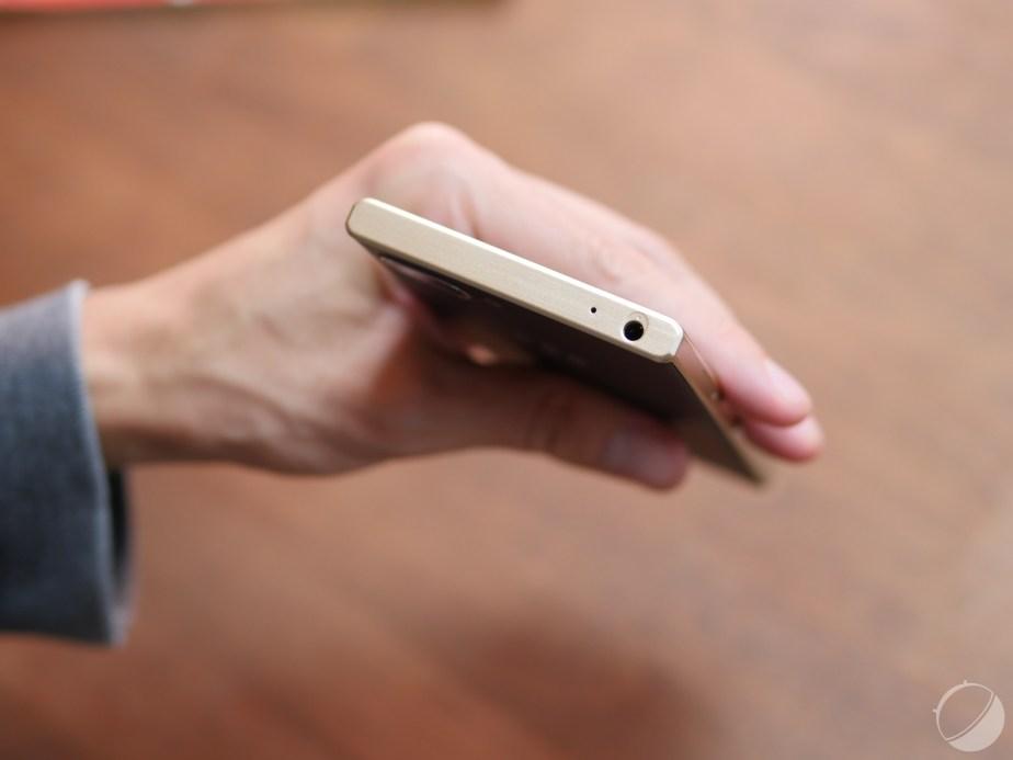 BlackBerry KEY2 LE - FrAndroid - c_P9160100