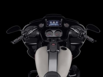 harley-davidson-finally-adds-android-auto-as-standard-on-2021-motorcycles_1