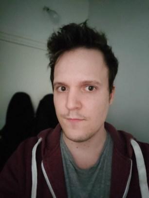 Selfie mode portrait du Realme X50 Pro (grand-angle)
