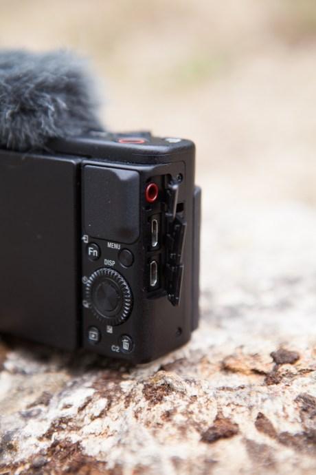 Le Sony ZV-1 avec bonnette