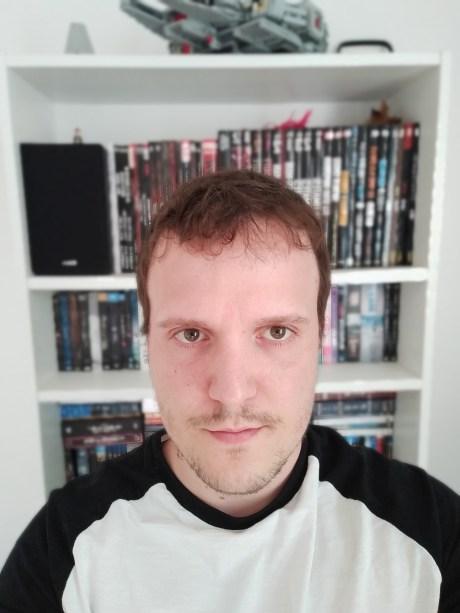 Selfie du Oppo A72 en mode portrait
