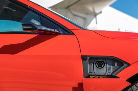 La prise de recharge // Source: Étienne Rovillé pour Audi France