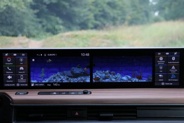 Le fameux aquarium disponible sur la Honda e // Source: Yann Lethuillier pour Frandroid