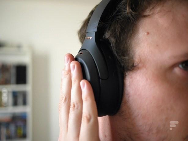 Le mode Quick Attention du Sony WH-1000XM4 permet de couper temporairement la réduction de bruit