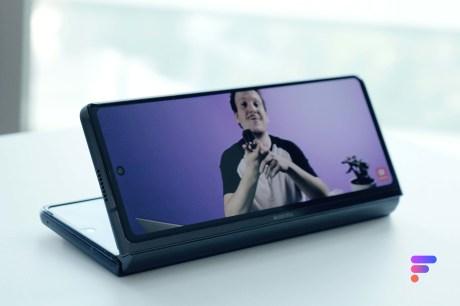 Samsung Galaxy Z Fold 2 stand