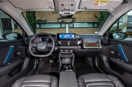 L'intérieur de la Citroën ë-C4 // Source : Citroën France