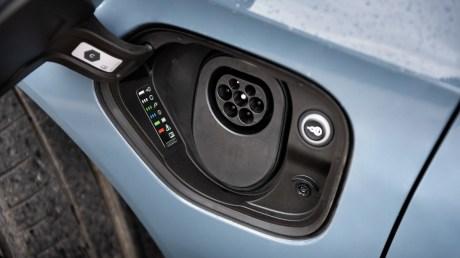 La prise de recharge de l'Audi e-tron GT quattro // Source : Marius Hanin pour Frandroid