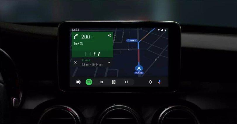 Android Auto va devenir une plateforme un peu plus ouverte et accueillir des applications plus variées…