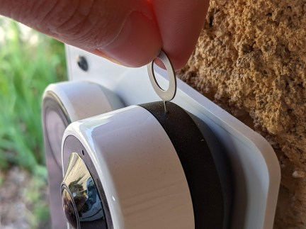 Arlo Essential Wire-Free Video Doorbell - Goupille