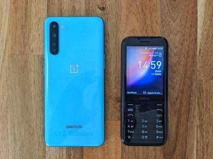 Nokia 8000 4G (1)