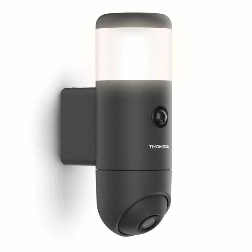 La caméra de surveillance extérieure Thomson Rheita 100 fait aussi éclairage