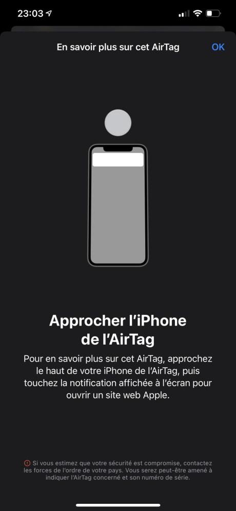 Approchez le AirTag du haut de votre iPhone pour signaler sa découverte à son propriétaire