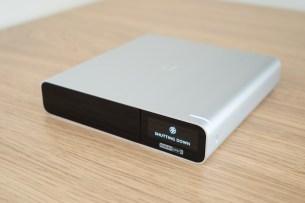 Les Cloud Key Gen2 contiennent également une batterie, leur permettant de s'éteindre proprement en cas de perte de courant