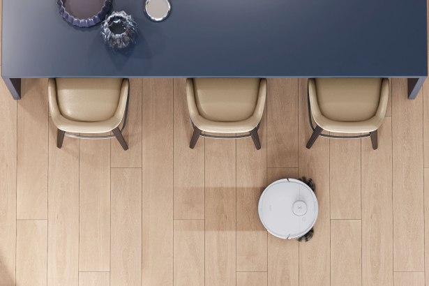 Le Deebot N8 Pro aspire et lave // Source : Ecovacs