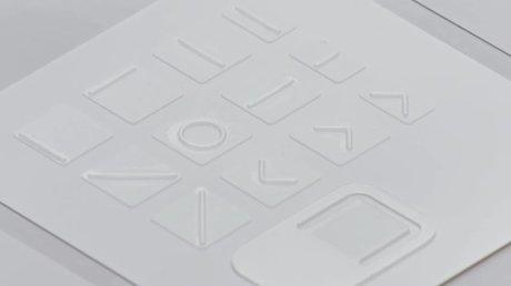 Des stickers en surimpression pour se repérer sur les produits Surface // Source : Microsoft