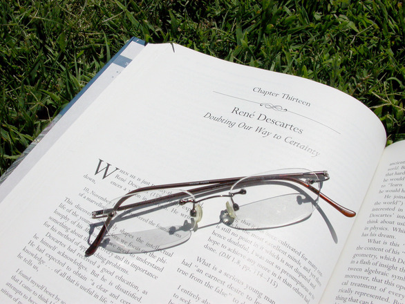 reading-on-the-grass