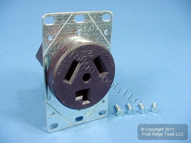 Cooper Flush Mount Dryer Outlet Receptacle 30A 125/250V
