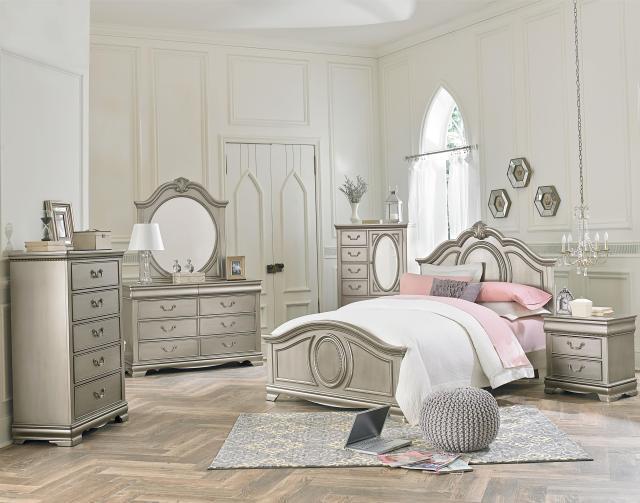 Standard Furniture Jessica Silver Single Pedestal Desk with 3